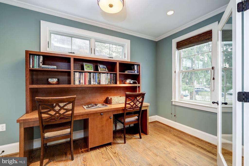 Office (optional guest room) - 4405 RIDGE ST, CHEVY CHASE