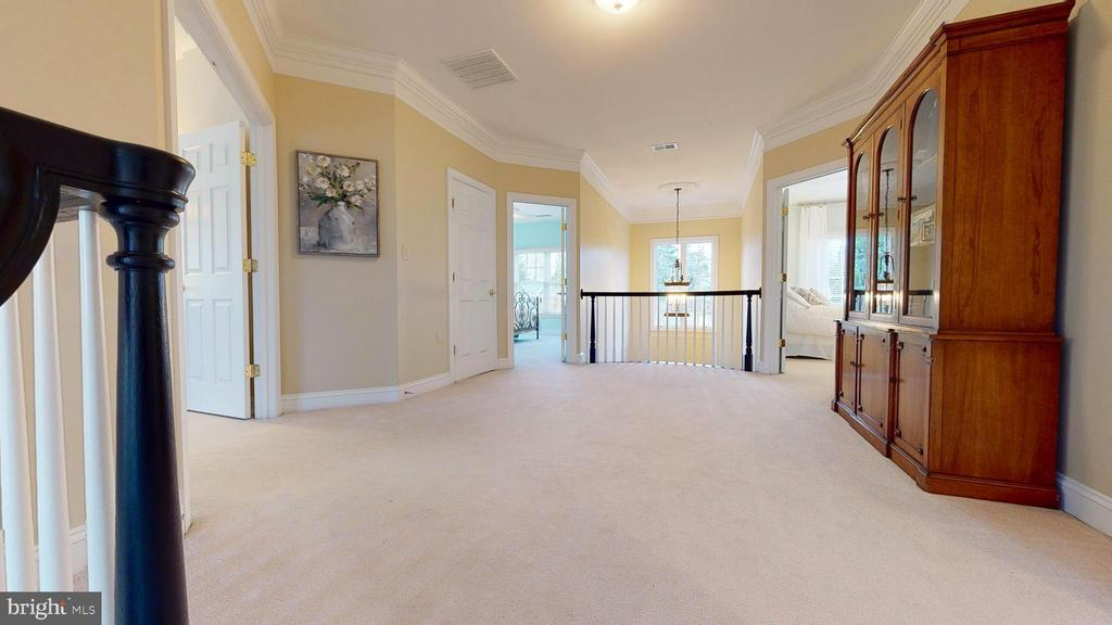 Upstairs Hall - 1125 CLINCH RD, HERNDON