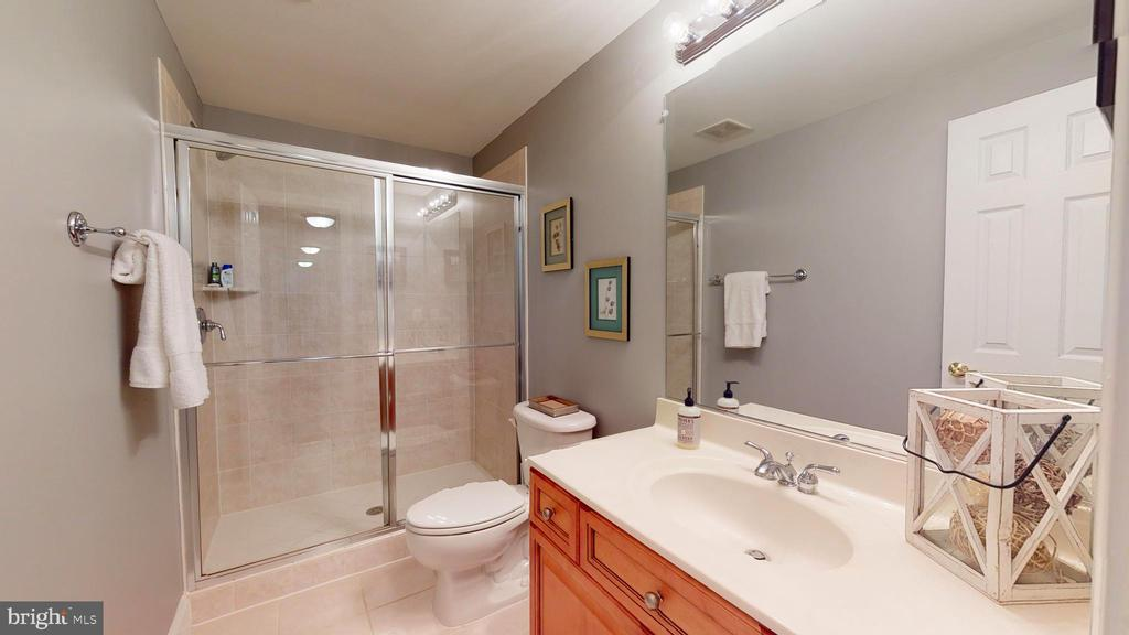Full Bath #4 - 1125 CLINCH RD, HERNDON