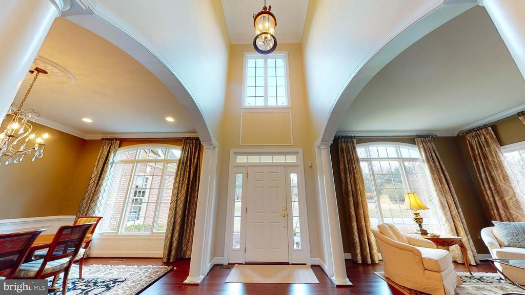 Stunning Entrance Foyer! - 1125 CLINCH RD, HERNDON