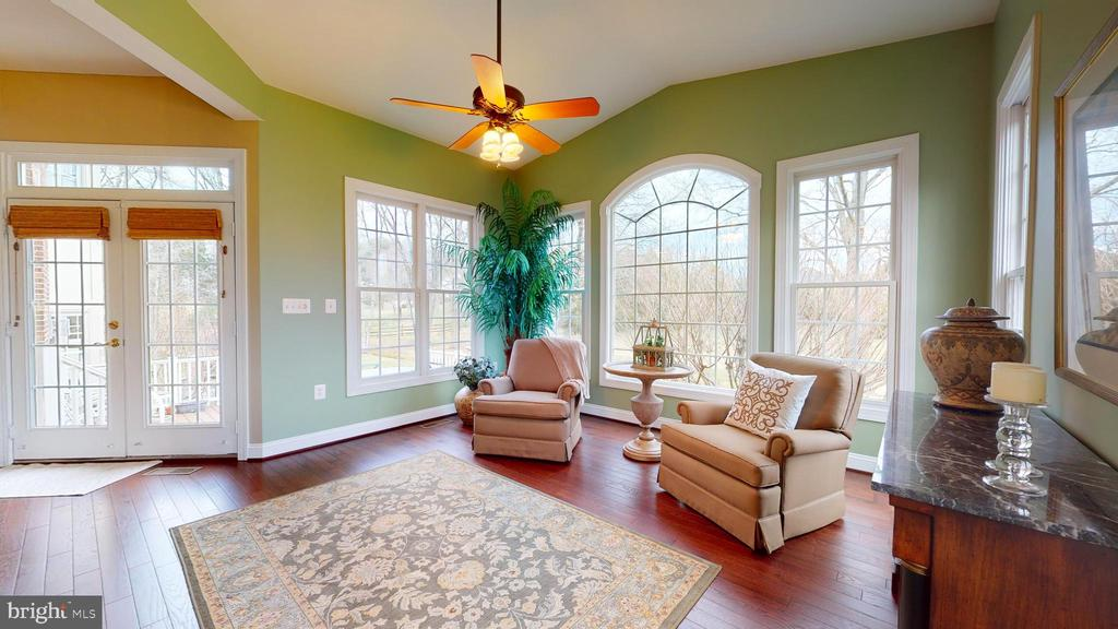 Stunning Windows - 1125 CLINCH RD, HERNDON