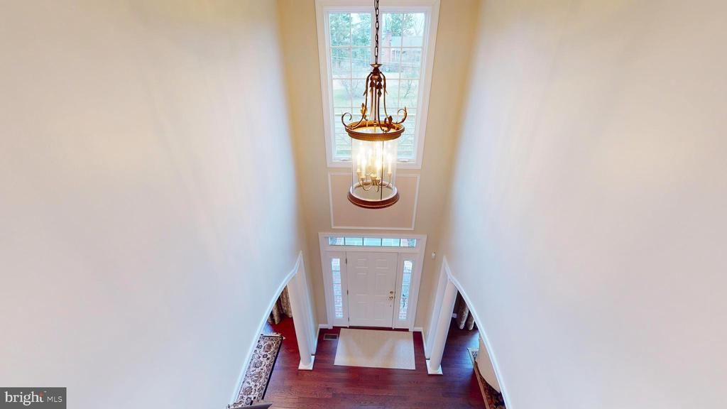 Two Story Foyer - 1125 CLINCH RD, HERNDON