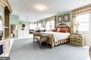 Master Bedroom with sitting area - 14943 FINEGAN FARM DR, DARNESTOWN