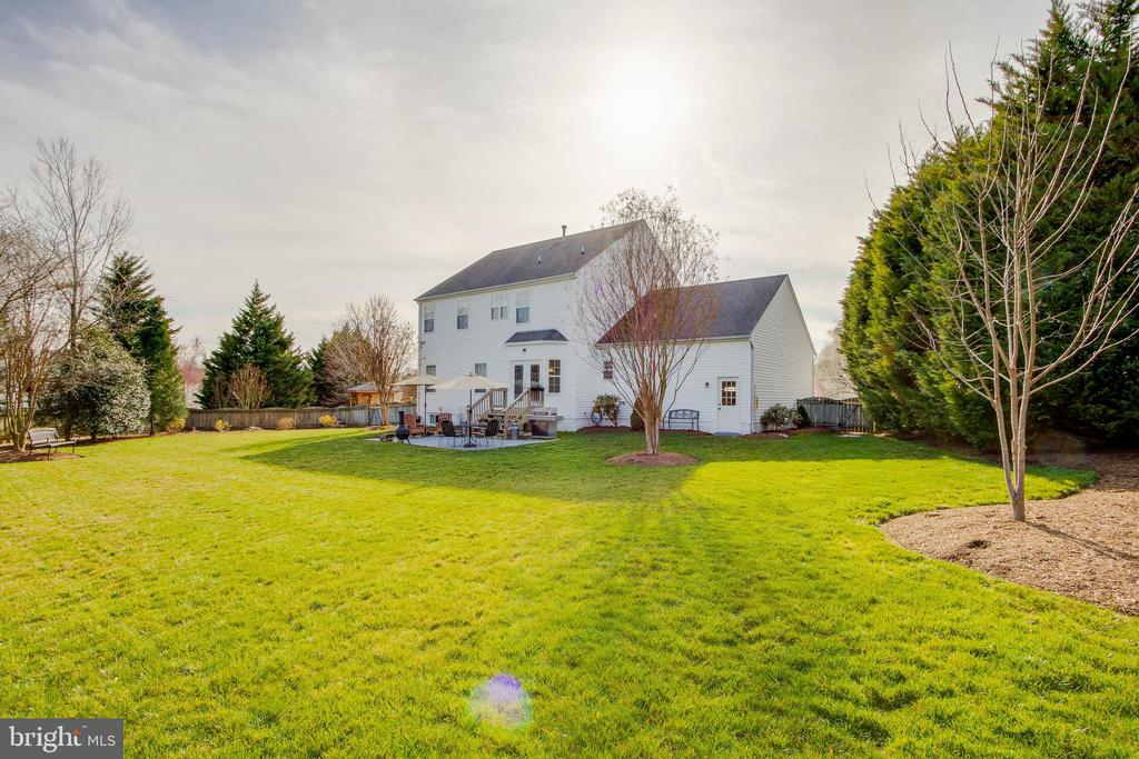 So much SPACE! - 18 BASKET CT, STAFFORD