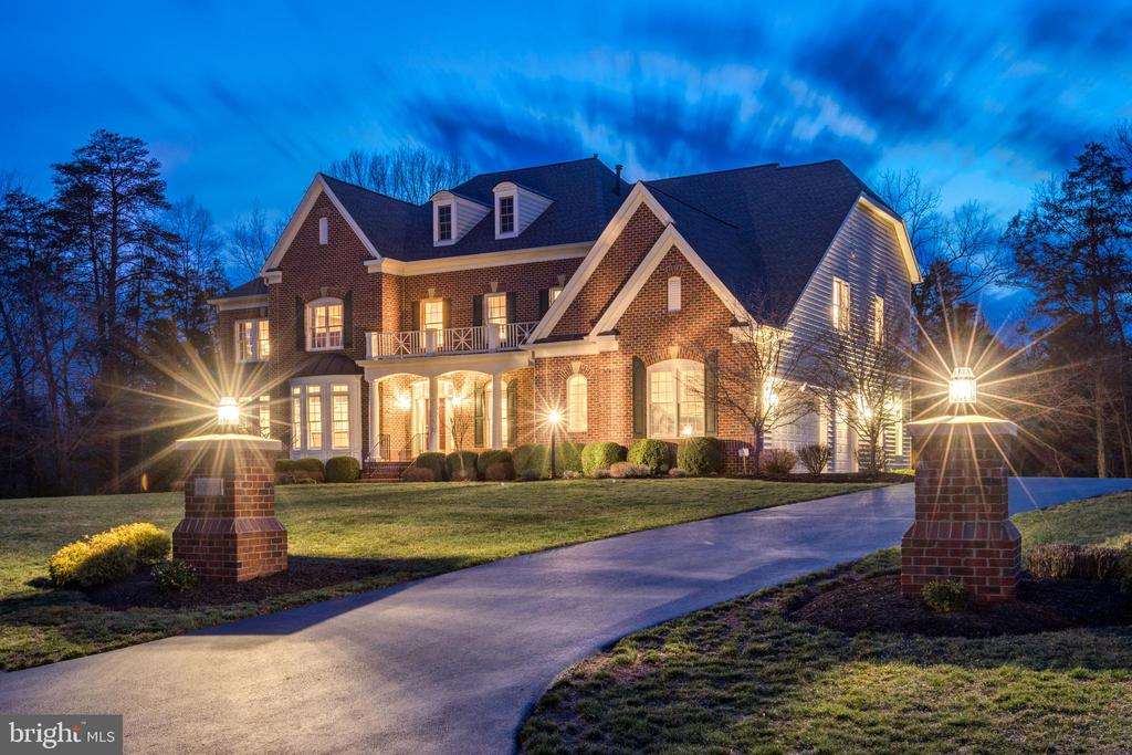 Driveway & Exterior - 27651 EQUINE CT, CHANTILLY