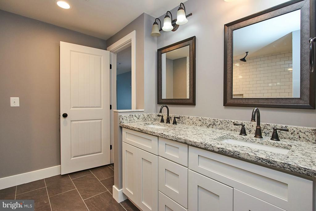 Remodeled Luxury Master Bathroom - 70 N LAYCOCK ST, HAMILTON