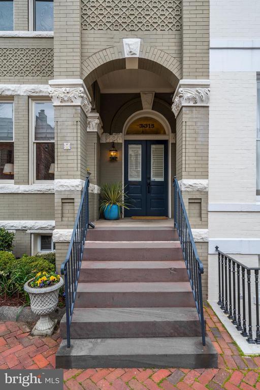 Covered Entrance - 3315 O ST NW, WASHINGTON