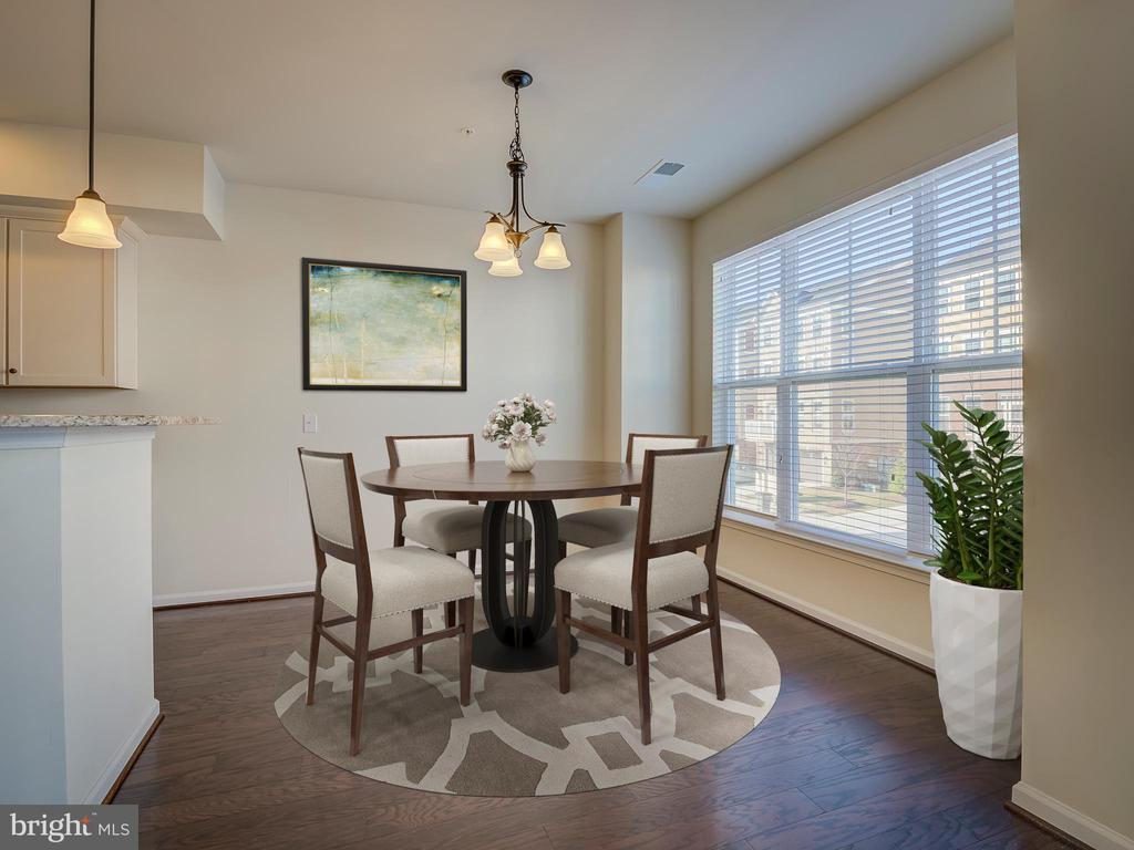 Staged Dining Area - 43370 TOWN GATE SQ, CHANTILLY