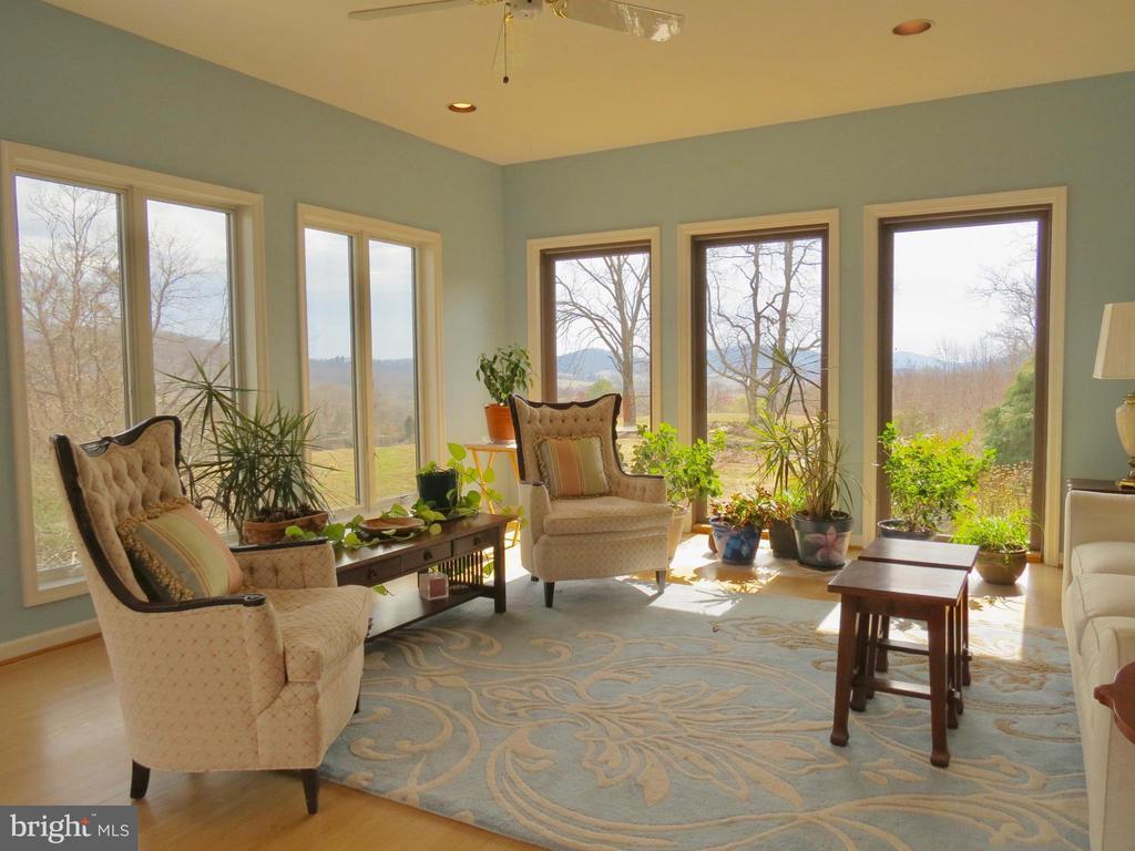 Living Room views.   Also a deck for entertaining - 335 FODDERSTACK RD, WASHINGTON