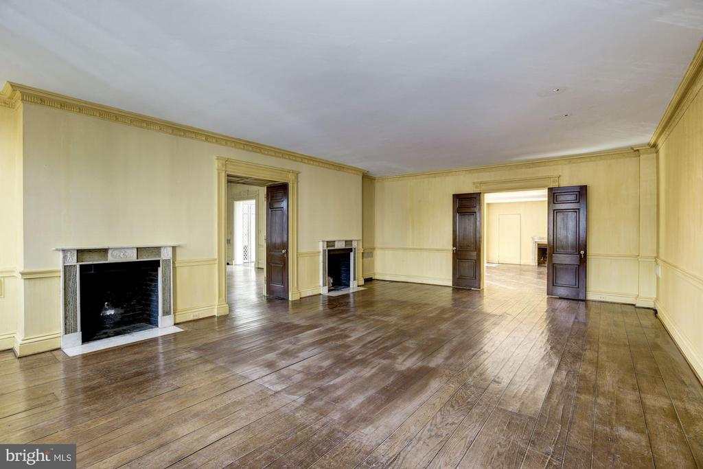 Living Room - Currently Vacant - 1224 30TH ST NW, WASHINGTON