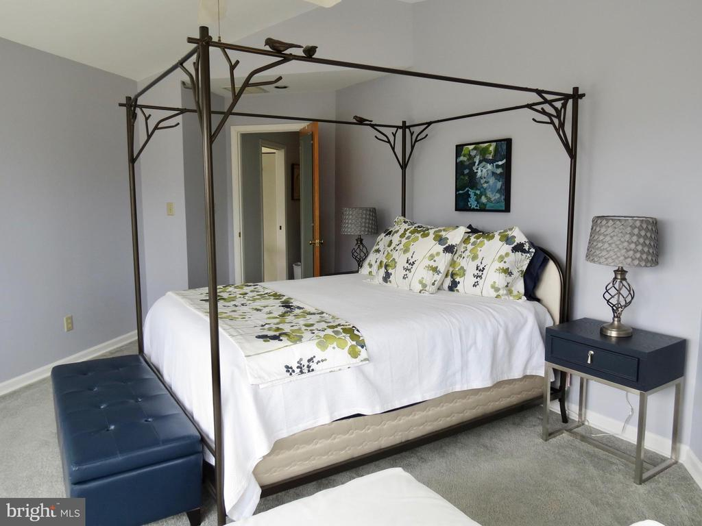 Master Bedroom Suite #2 on 2nd floor - 335 FODDERSTACK RD, WASHINGTON