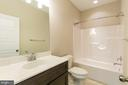 Hall Bath w double vanities - 6720 ACCIPITER DR, NEW MARKET