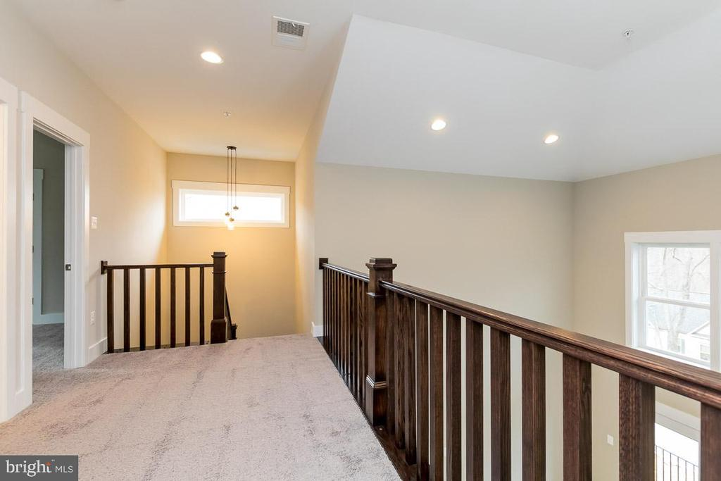 Open walkway to bedrooms with soaring ceilings - 6720 ACCIPITER DR, NEW MARKET