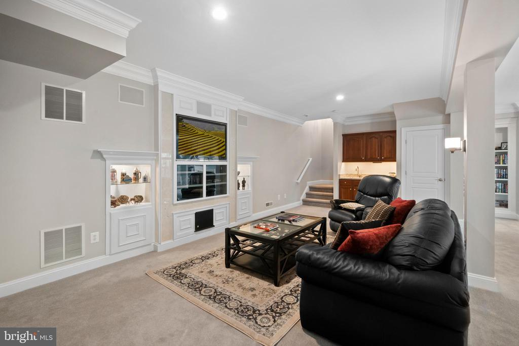 Lower Level with recessed video wall - 6271 KINGFISHER LN, ALEXANDRIA