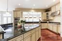 Kitchen with Large Island - 27651 EQUINE CT, CHANTILLY