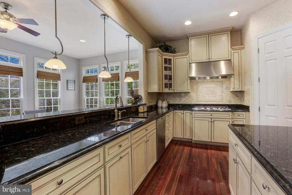 Kitchen - 27651 EQUINE CT, CHANTILLY