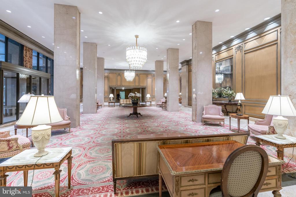 Elegant lobby with concierge - 2801 NEW MEXICO AVE NW #1122, WASHINGTON