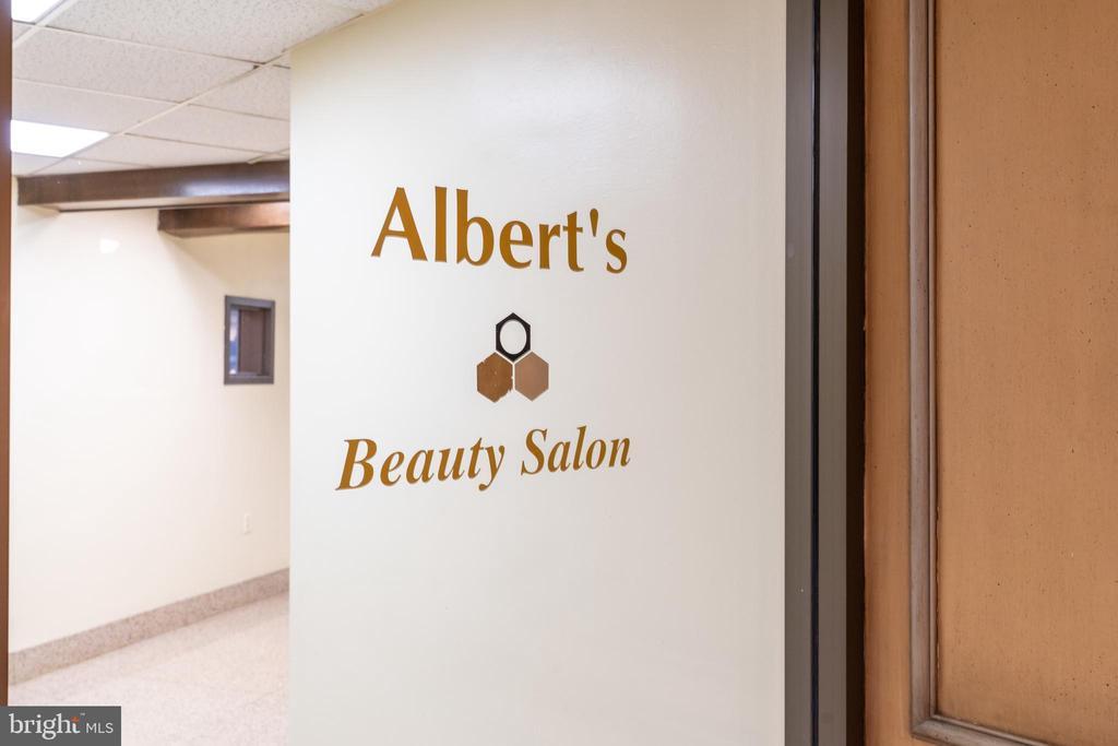 Beauty salon in-building - 2801 NEW MEXICO AVE NW #1122, WASHINGTON