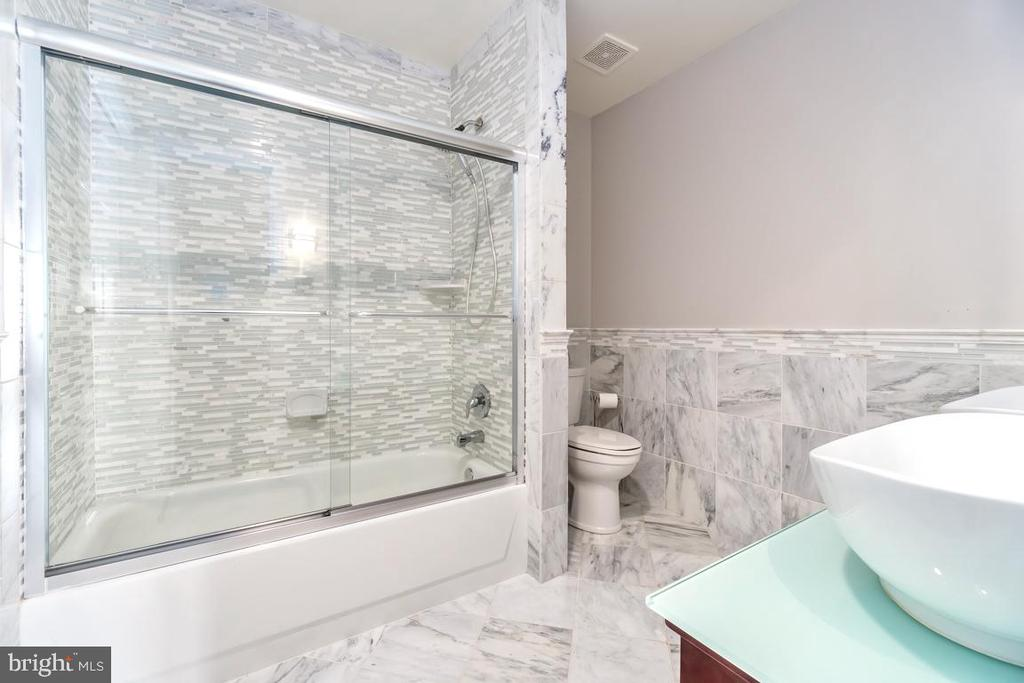 Updated all Marble Tile Modern Bathroom! - 10810 PERRIN CIR, SPOTSYLVANIA