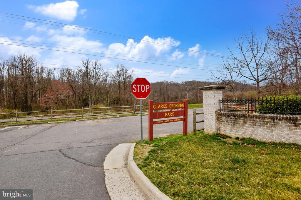 Nearby Access to W&OD Trail - 1831 ELGIN DR, VIENNA