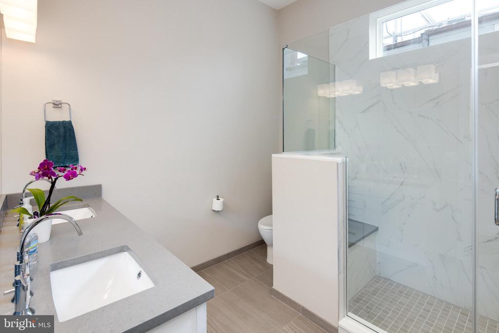 Master Bathroom - 3566 13TH ST NW #5, WASHINGTON