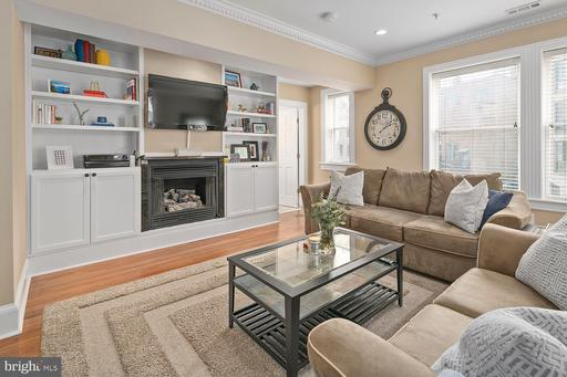 1212 M ST NW #203