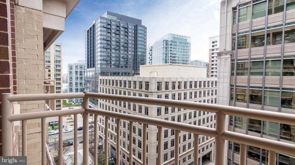 View From Balcony - unit faces west - 888 N QUINCY ST #1309, ARLINGTON