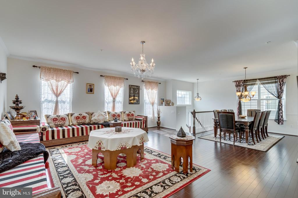 Living Room Opens to Dining Room - 3499 EAGLE RIDGE DR, WOODBRIDGE
