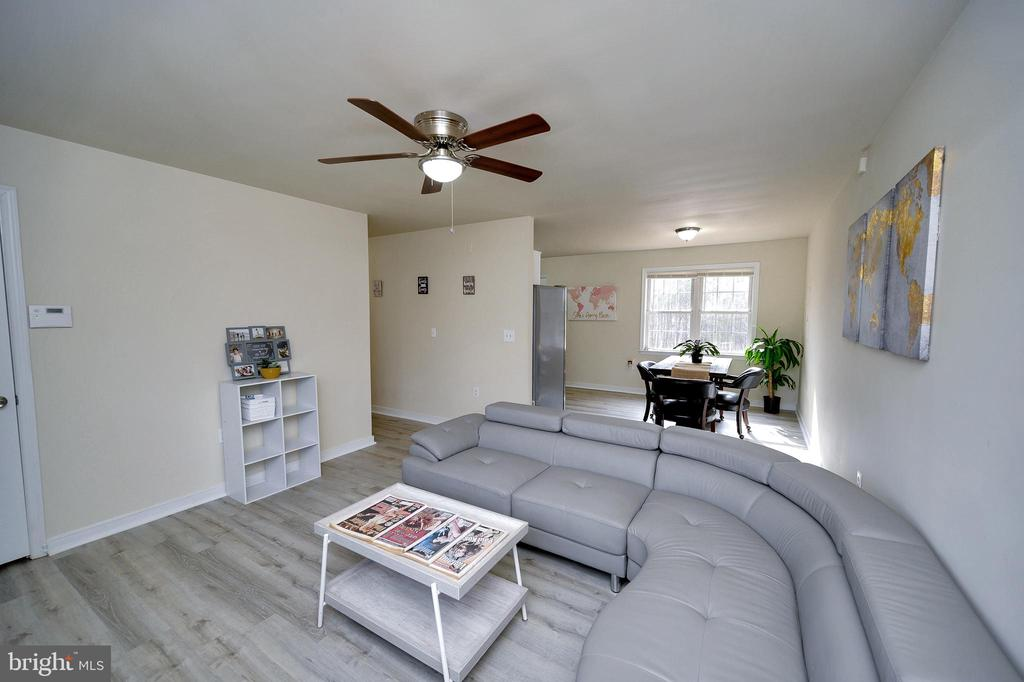 Open Concept Living/Dining area - 61 LITTLE FOREST CHURCH RD, STAFFORD