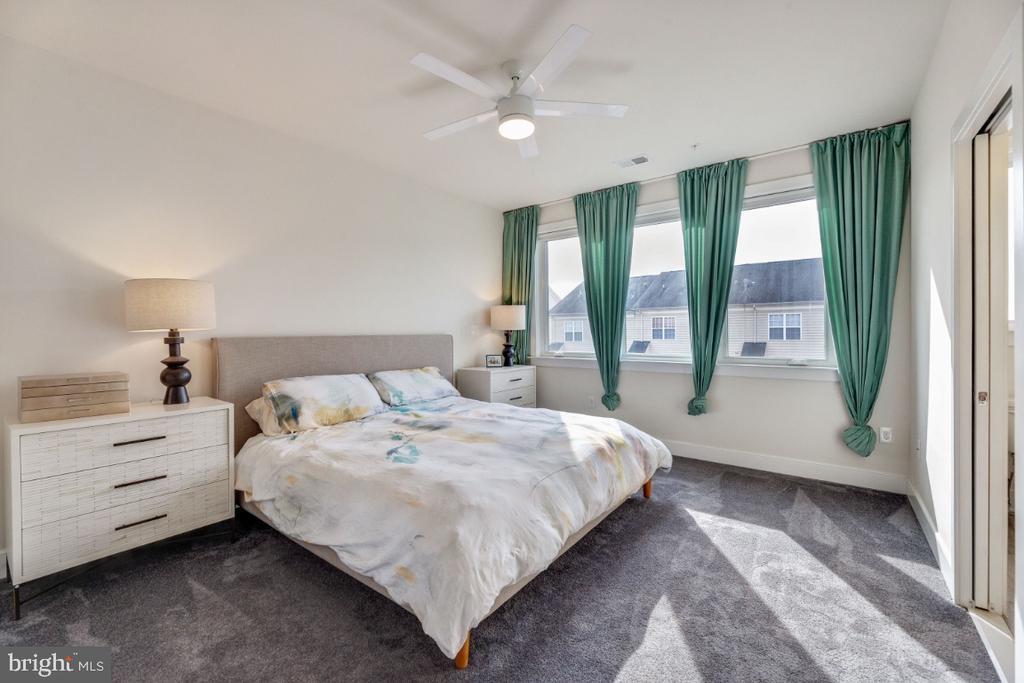 Master bedroom - 420 NOTTOWAY WALK, ALEXANDRIA