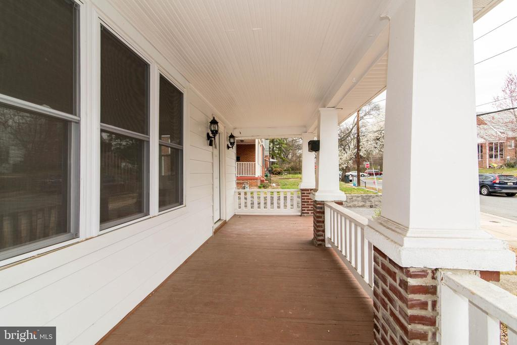 Front Porch - 6212 44TH AVE, RIVERDALE