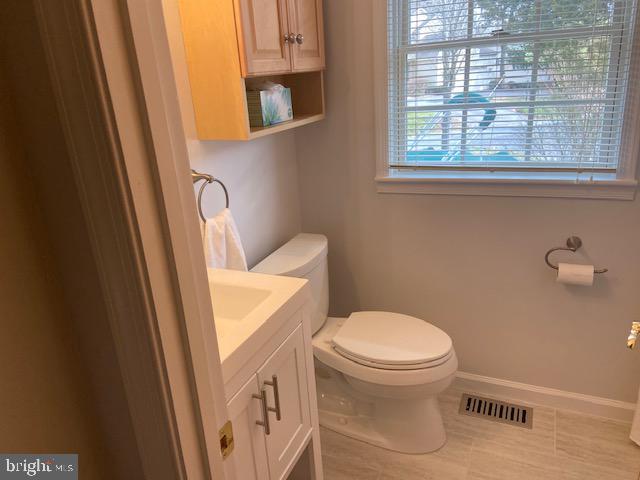 Updated Bath #2 - 102 RAMSAY RD, LOCUST GROVE