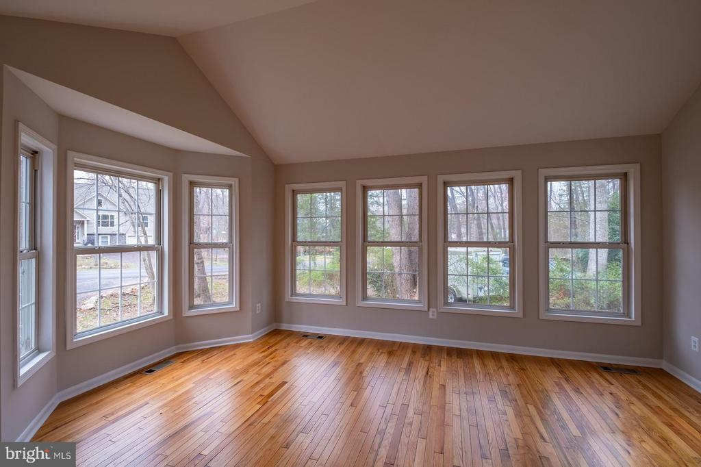 Living Room with Beautiful Natural Lighting - 105 MUSKET LN, LOCUST GROVE