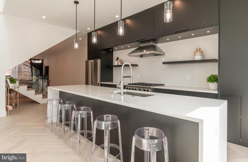 12 foot island with waterfall quartz counter tops - 46 R ST NW, WASHINGTON