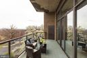 Spacious balcony off of living room - 1401 N OAK ST #302, ARLINGTON
