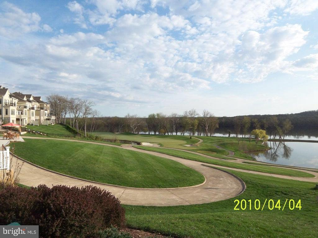 Golf course front on the Potomac River - 43476 CASTLE HARBOUR TER, LEESBURG
