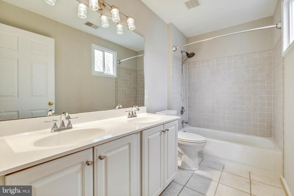 Master Bathroom - 20747 CITATION DR, ASHBURN