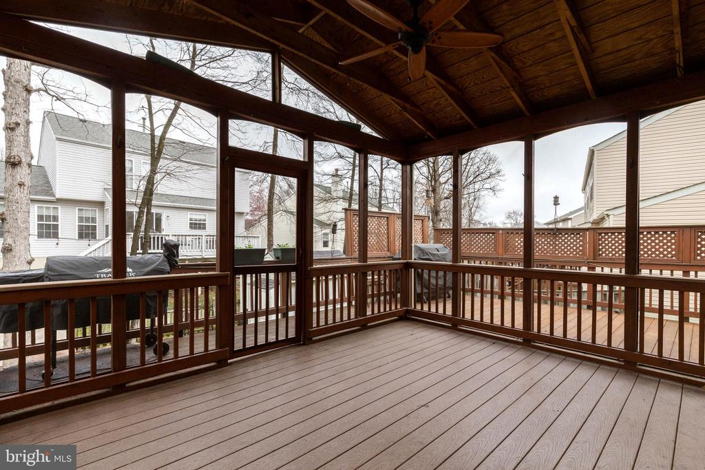 Great Screened Porch - 20747 CITATION DR, ASHBURN