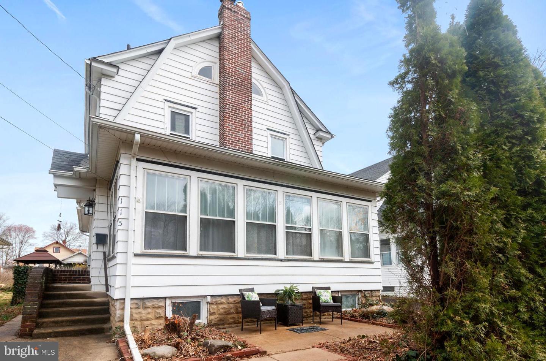 Single Family Homes per Vendita alle ore 115 WOODLAND TER Oaklyn, New Jersey 08107 Stati Uniti