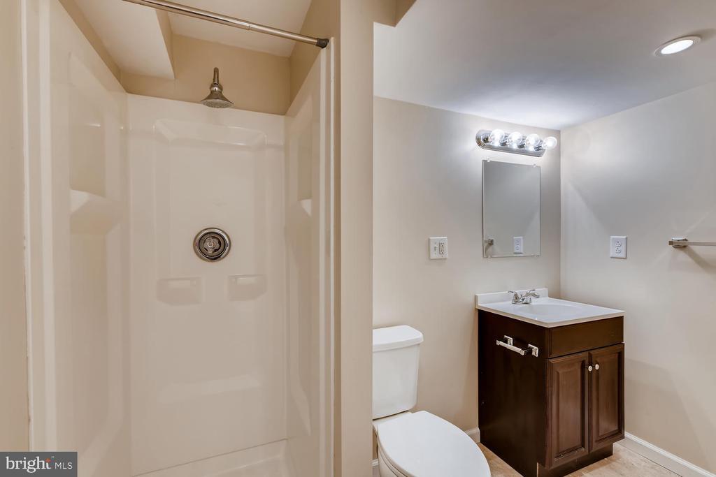 3rd Full Bath - 1104 PARK RIDGE DR, MOUNT AIRY
