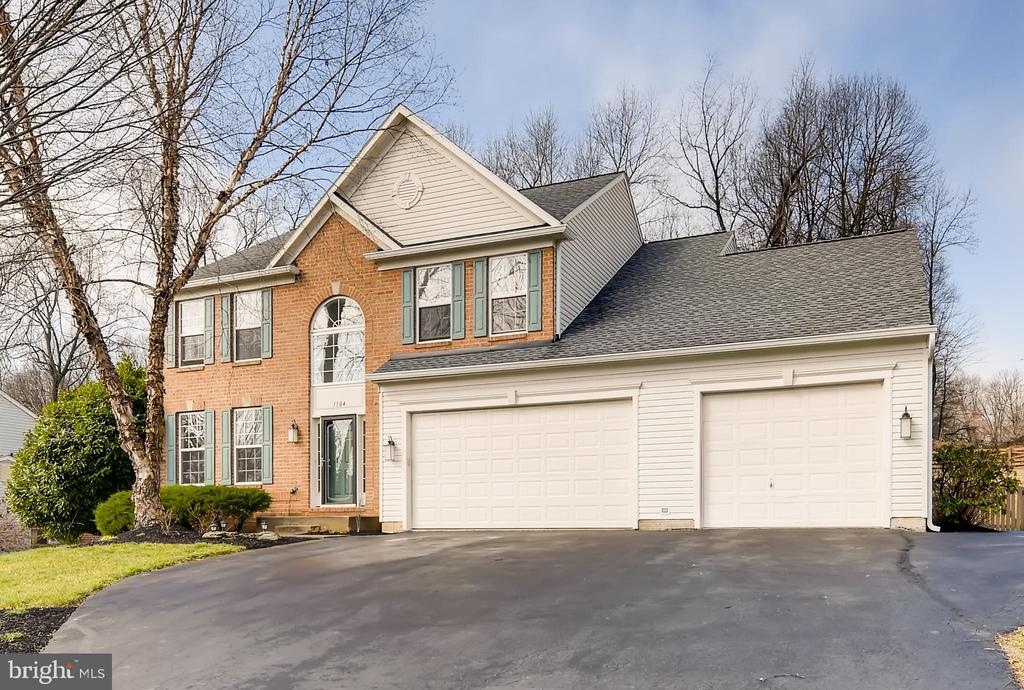 The WOW Factor - 1104 PARK RIDGE DR, MOUNT AIRY