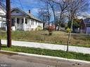 Extra Lot that has an address - 2318 32ND ST SE, WASHINGTON