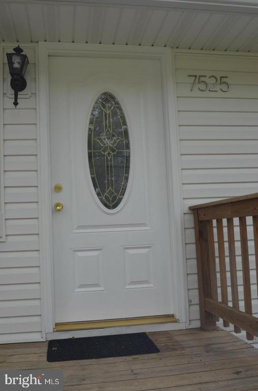 Entrance door - 7525 MAGARITY RD, FALLS CHURCH