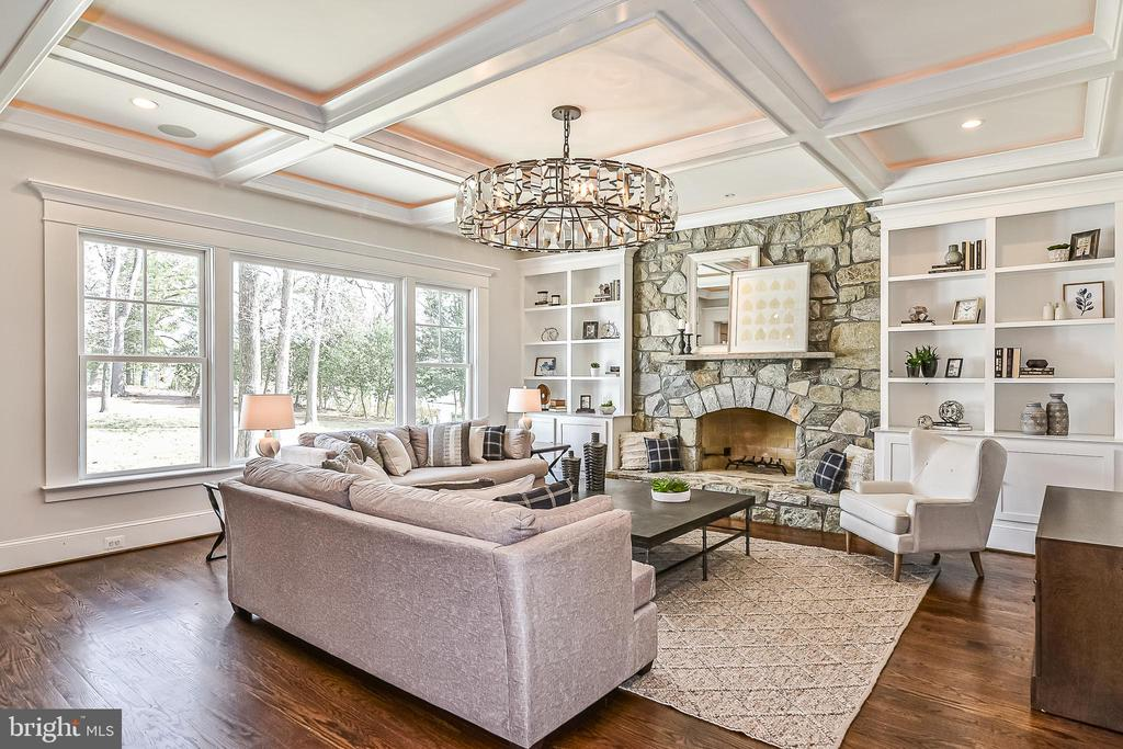 Great Room w/ Ambient Lighting in Coffered Ceiling - 1867 BEULAH RD, VIENNA