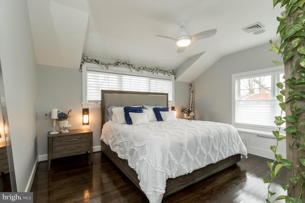 Master bedroom - 6308 26TH ST N, ARLINGTON