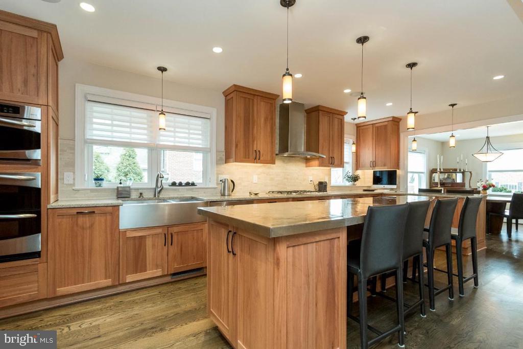 Kitchen with marble backsplash - 6308 26TH ST N, ARLINGTON