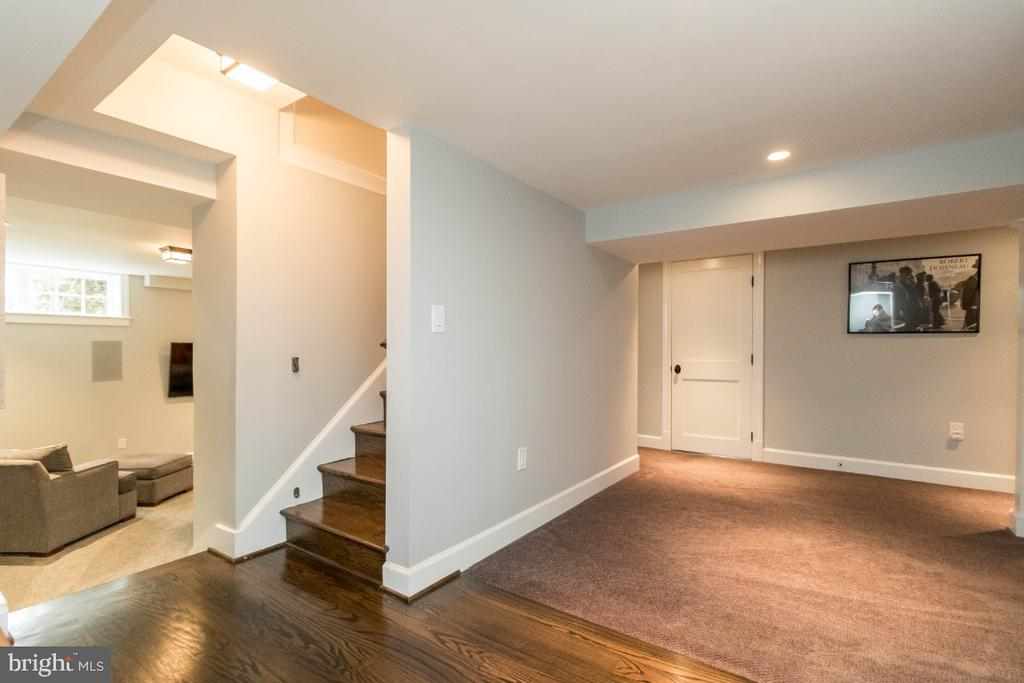 Stairway to Lower Level - 6308 26TH ST N, ARLINGTON