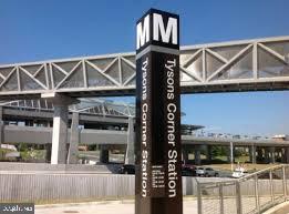 4 Metro Stationclose to house - 7525 MAGARITY RD, FALLS CHURCH