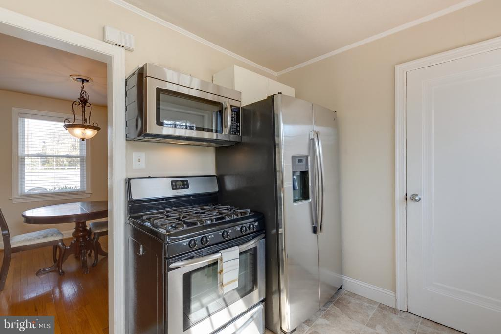 Stainless steel appliances - 3704 ARLINGTON BLVD, ARLINGTON