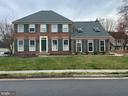 Front view Main - 10 WHITTINGHAM CIR, STERLING